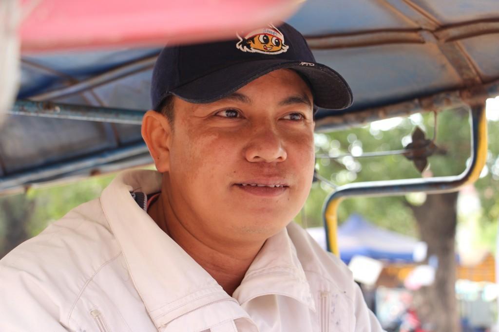 M. Kom, le conducteur de Tuk-Tuk